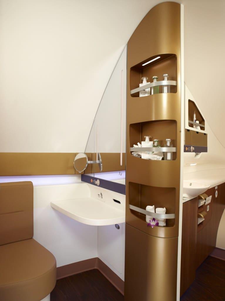 Thai Airways A380-800 Royal First Class bathroom