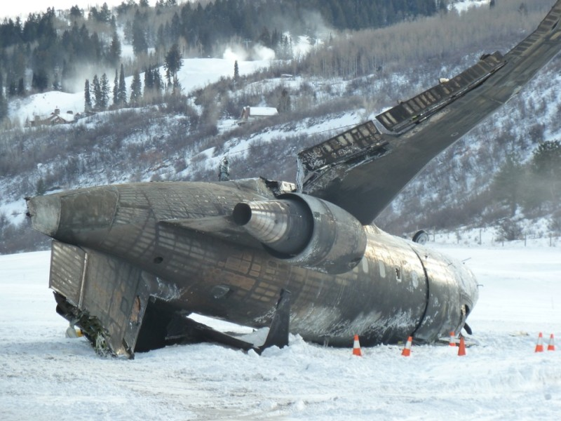 Private Jet Plane Crash At Aspen Airport  One Dead PlaneTalking Live