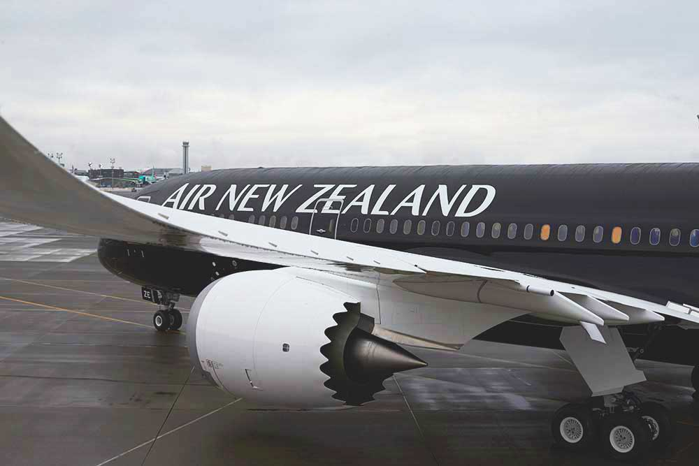 Air New Zealand 787-9 black livery