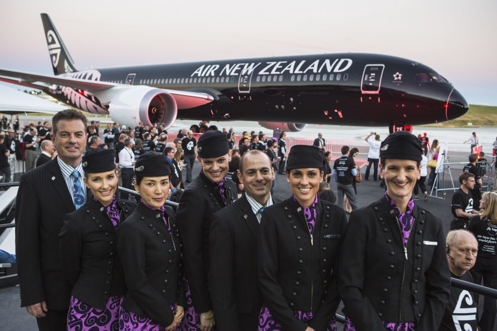 Air New Zealand crew and the new 787-9