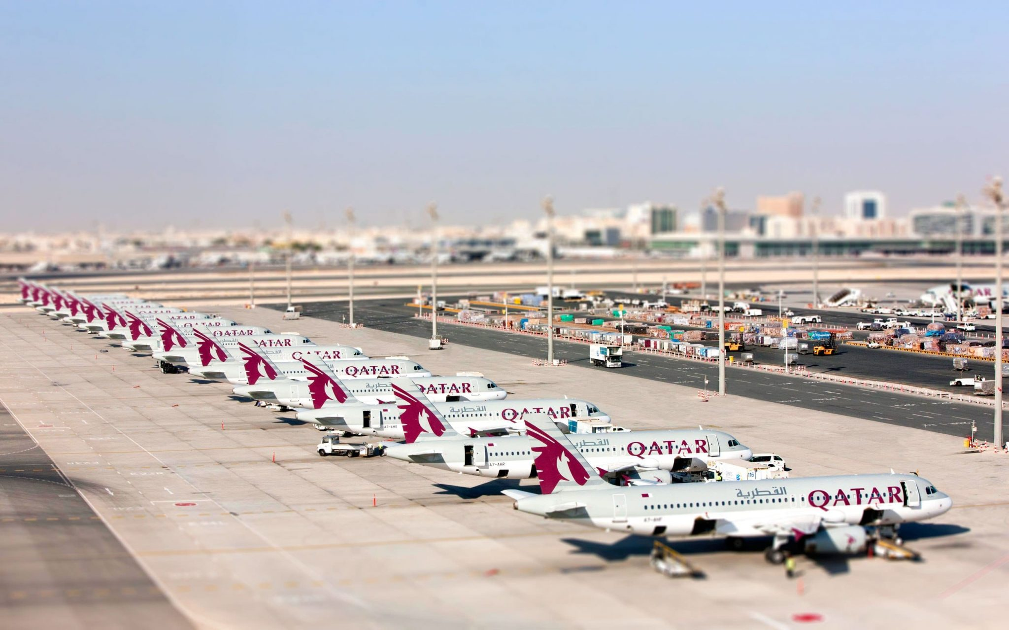 Qatar airways to display airbus a350 a320 and 787 at farnborough