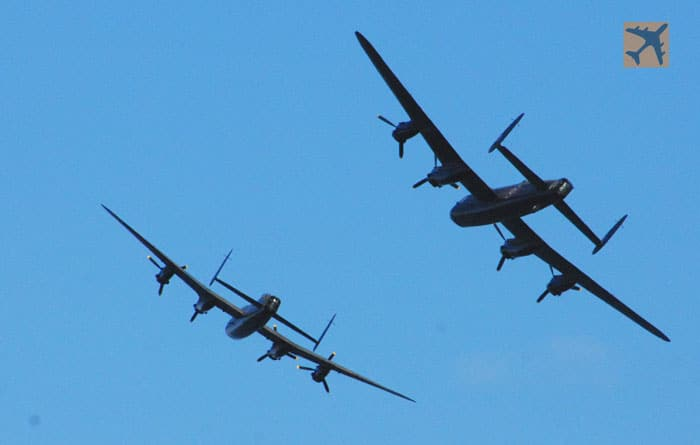 Video: Avro tribute two Lancaster Bombers and a Vulcan flying together!
