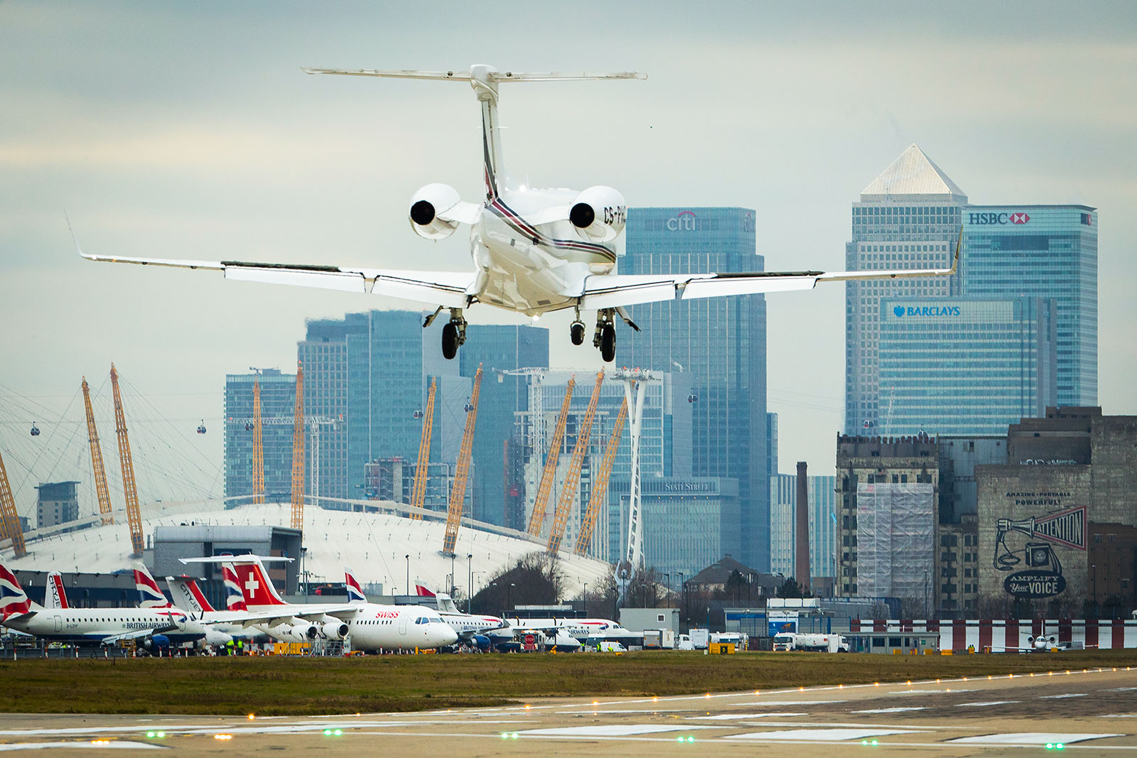 NetJets Flies Phenom 300 Business Jet into London City Airport