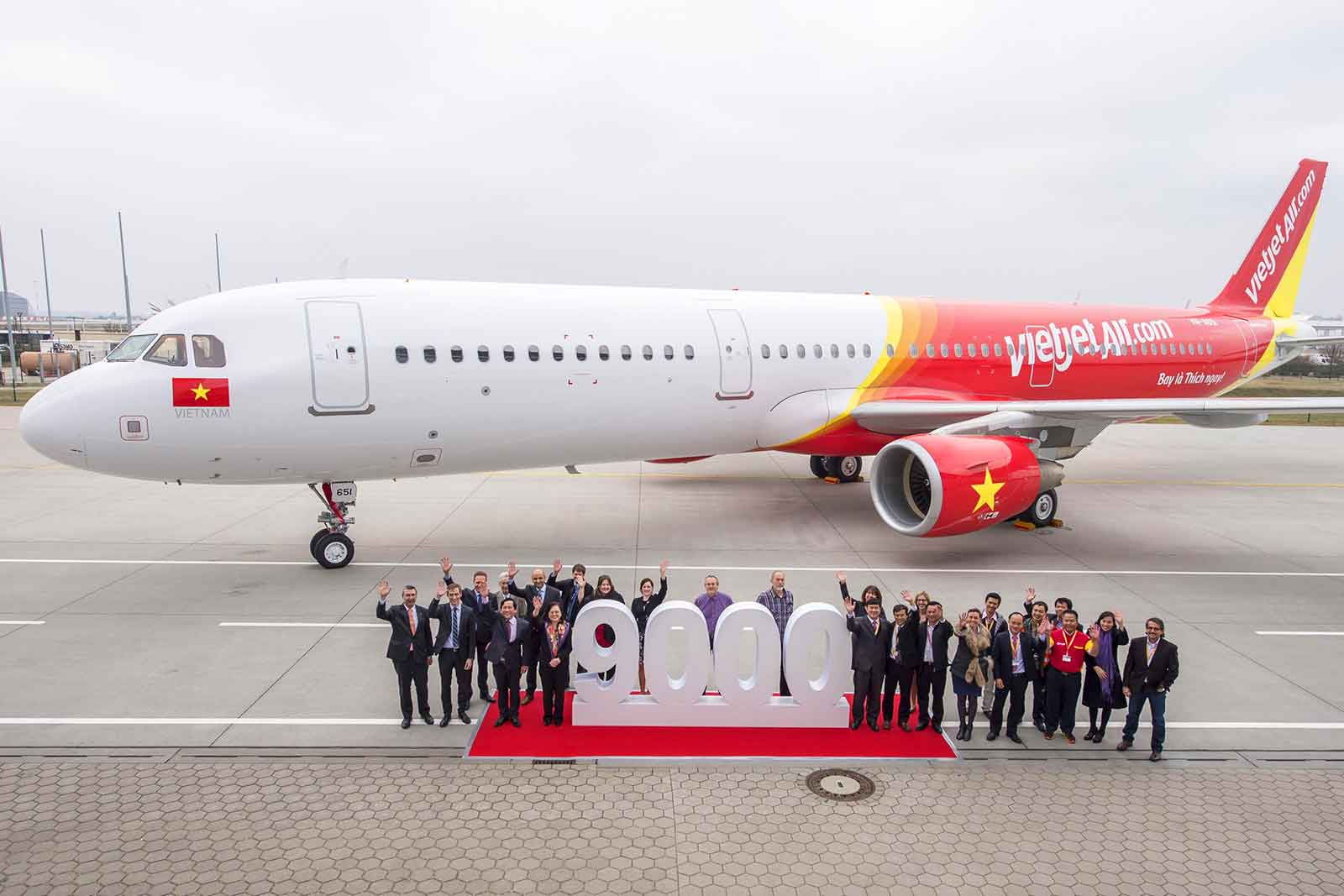 Airbus delivered 9000th aircraft - Celebrations with VietJetAir Their first A321 - Delivery ceremony in Hamburg