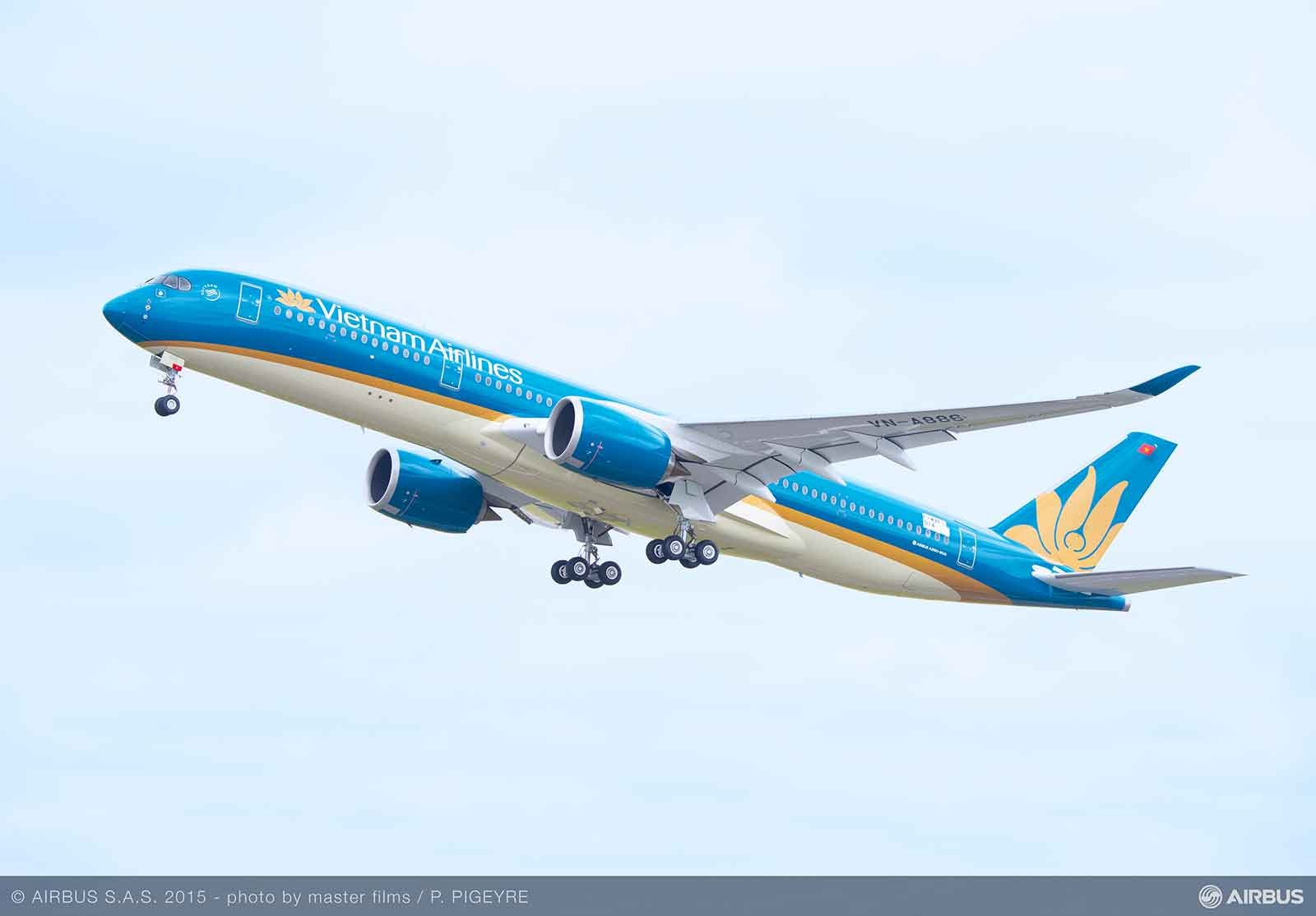 First A350-XWB for Vietnam Airlines takes its first flight A350-900