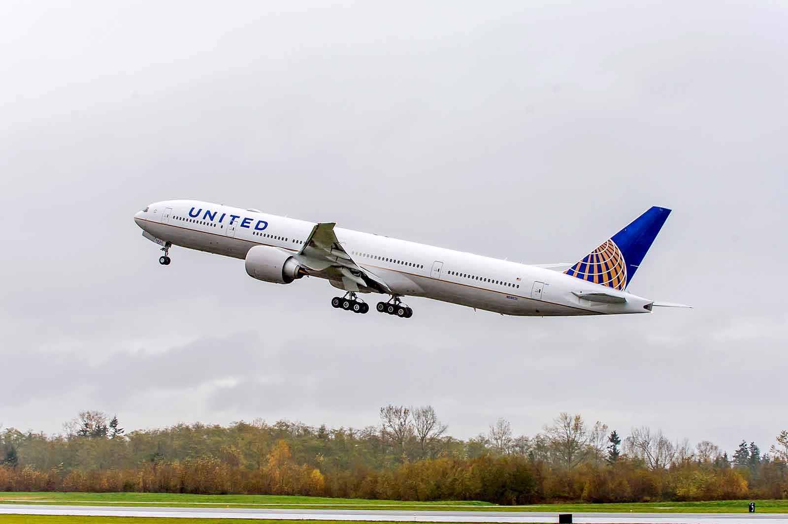 United Airlines Boeing 777-300ER with latest Polaris Business Class Seats