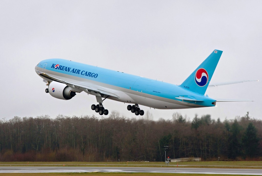 Boeing 777 Freighter delivered to Korean Air Cargo - Boeing delivers first 777 built at increased rate