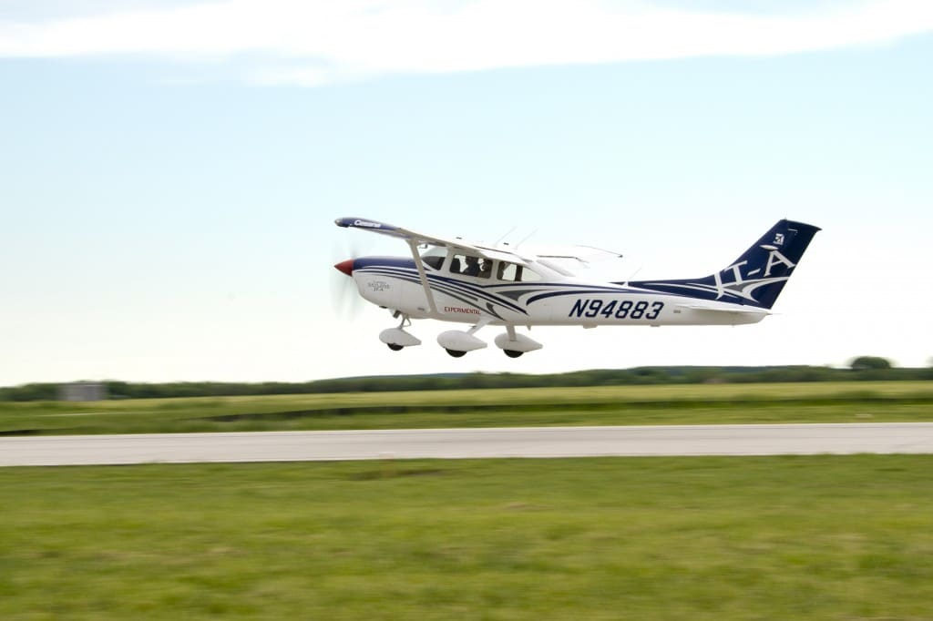 Cessna Turbo Skylane JT-A takes to the air on its first flight