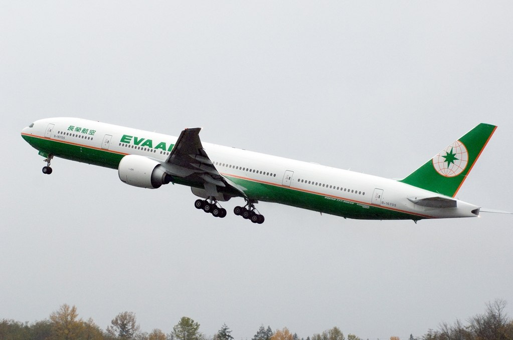 EVA Air order three Boeing 777-300ER aircraft