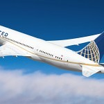 United Boeing 787 Dreamliner exclusive gold line livery