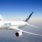United Boeing 787 Dreamliner with exclusive gold line livery